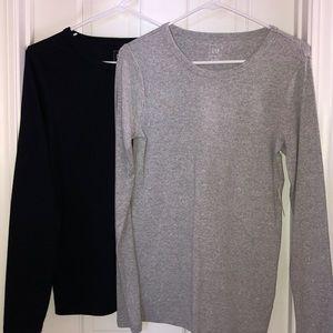 2 Gap basic long sleeve tees